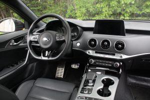 Kia Stinger3 interior