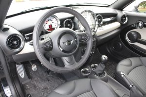 Mini Cooper Coupe dashboard