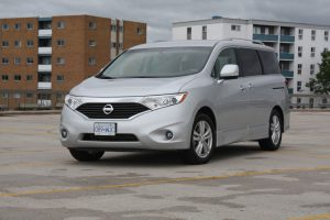 Nissan Quest front view