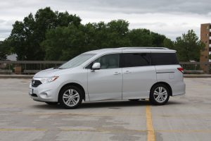 Nissan Quest side view
