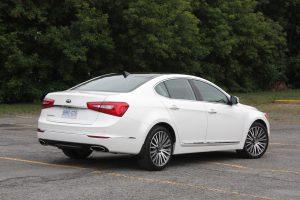 Kia Cadenza rear view