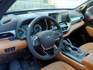 2021 Toyota Highlander Hybrid Drivers Seating Area